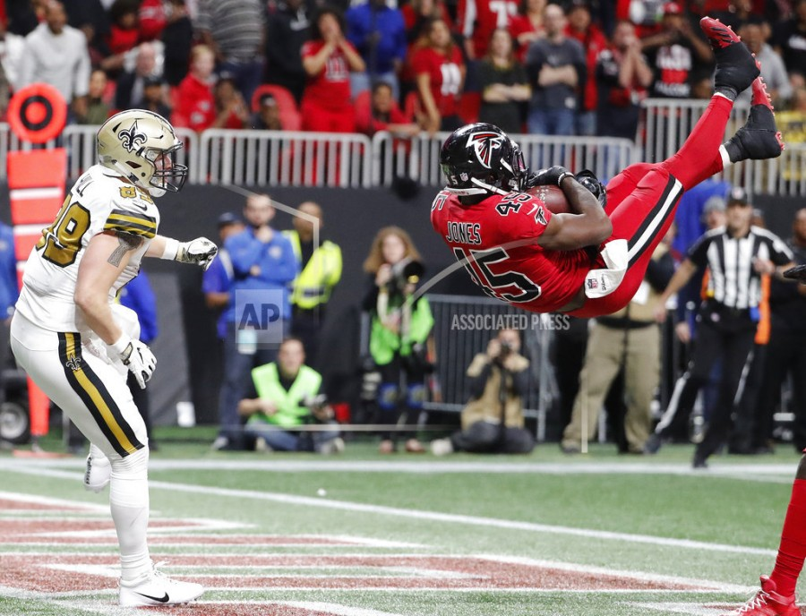 Atlanta Falcons middle linebacker Deion Jones (45) intercepts a ball in the  end zone ahead of New Orleans Saints tight end Josh Hill (89) during the  second ... c87438c62